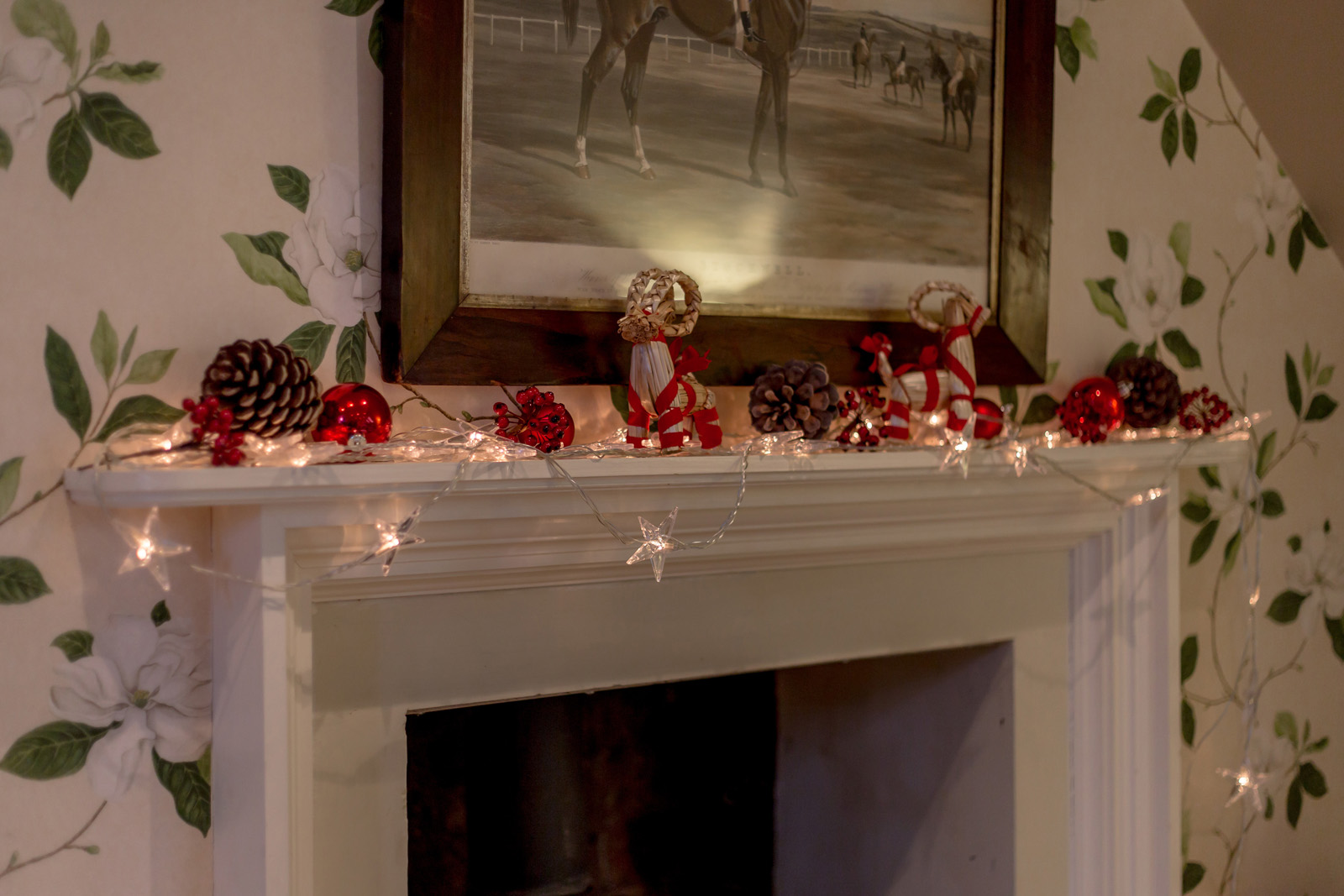 Festive decorations on the mantelpiece